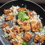 wokgerecht met broccoli en kip