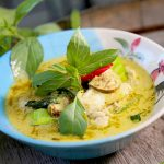 gele curry met kip