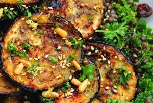 Gegrile aubergine salade