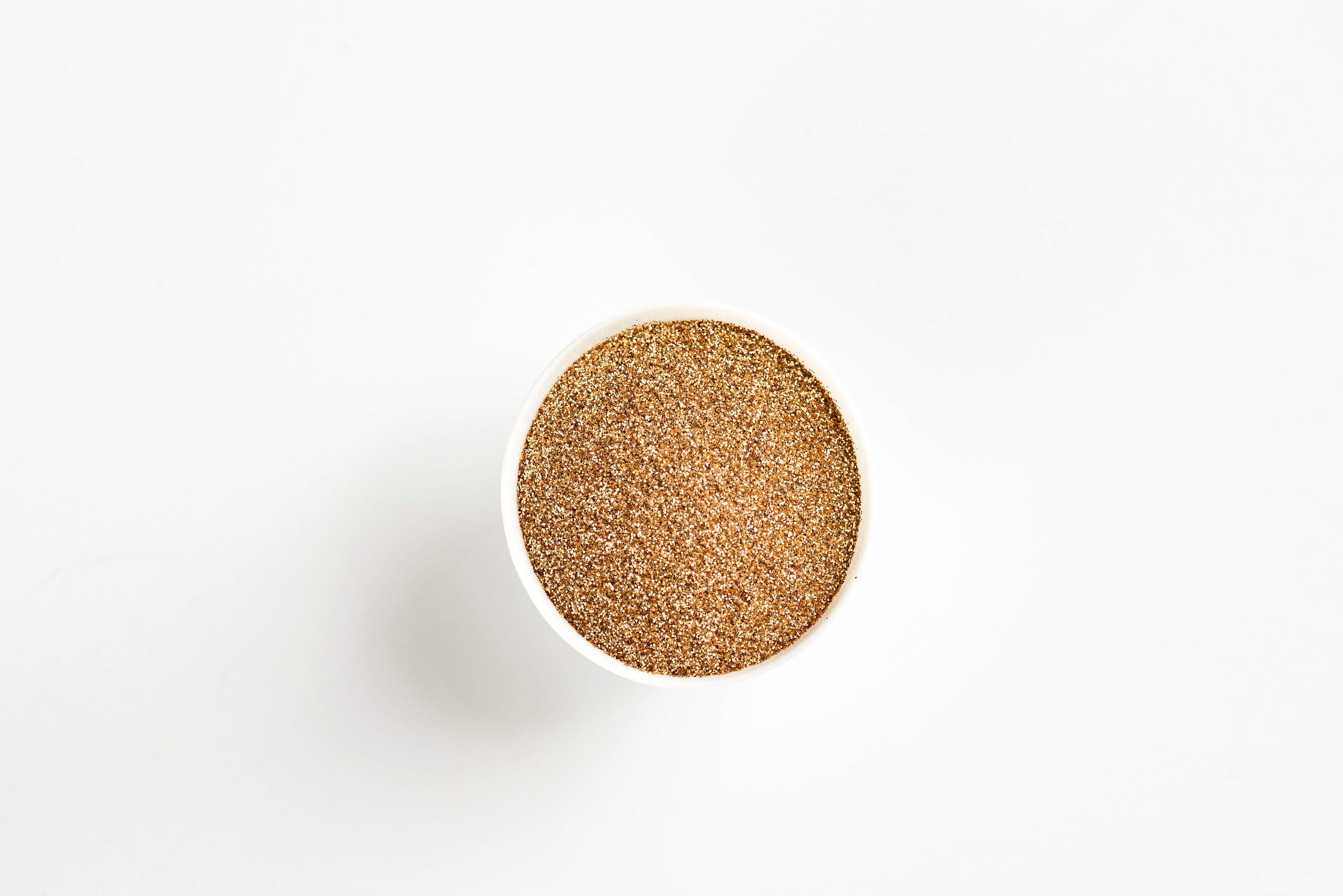 lijnzaad is gezond en helpt je bij het afvallen, het is te verkrijgen als gebroken lijnzaad, gemalen zaden of lijnzaadolie