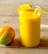 mango smoothie met honing en kaneel