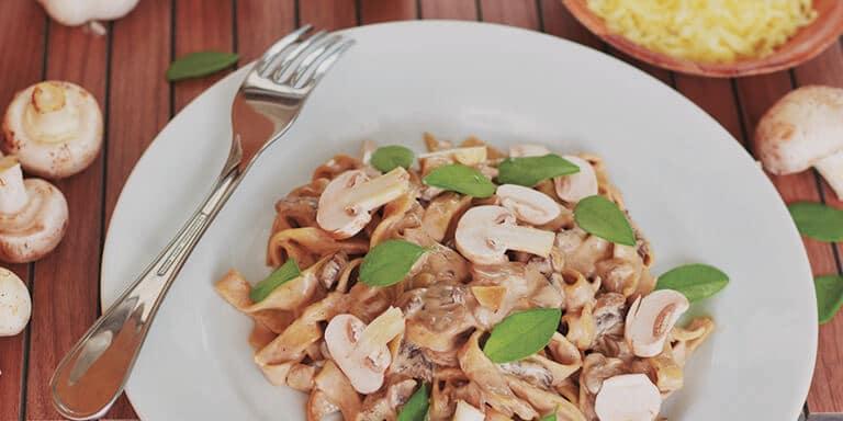 pompoenspaghetti met kastanje champignons