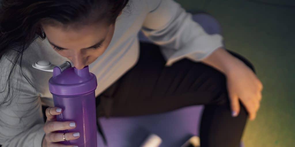 eiwitshakes helpen het afvallen in een koolhydraatarm dieet