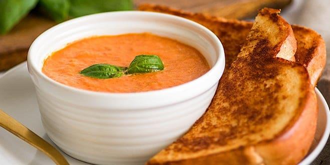 eenvoudig tomatensoep recept, dit kan zo snel snel maken.